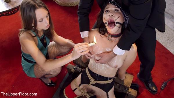 Nippel Folter mit Kerzenwachs
